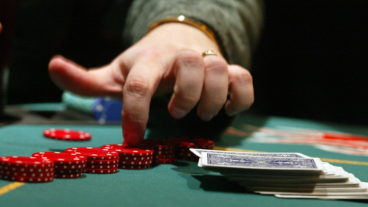 How to Play Poker | Easy-to-Follow Tips